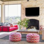 Bold Waves of Pink Make Texas Home Pop - patio